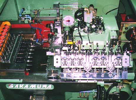 2000年 7段フォーマーを開発