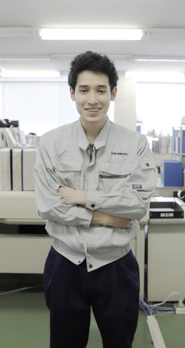 阪村機械製作所で働く先輩従業員さん